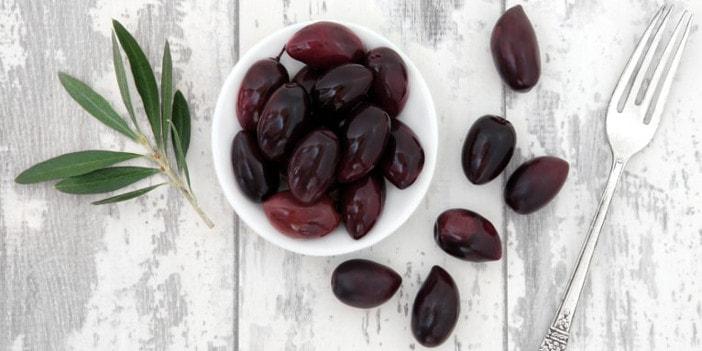 Atemberaubend Schwarze Oliven gefärbt Chemie statt Sonne   Taste of Koroni &MW_86